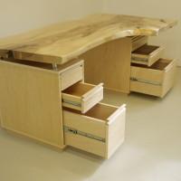 Bureau érable organique - Live edge maple desk
