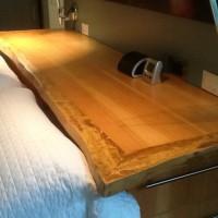 Tête de lit bois exotique organique suar - Live edge suar exotic wood bed head