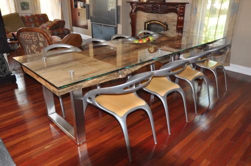 Table à dîner bois exotique Tamarin métal et verre – Tamarin exotic wood glass and metal dining table