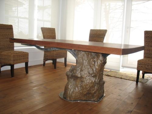 Table à dîner bois exotique teck et métal – Teak and metal dining table